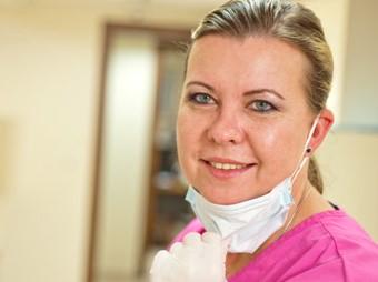 לילי ברבש רופאת שיניים